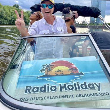 Radio Holiday Boot