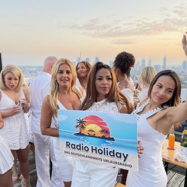 Radio Holiday White Party