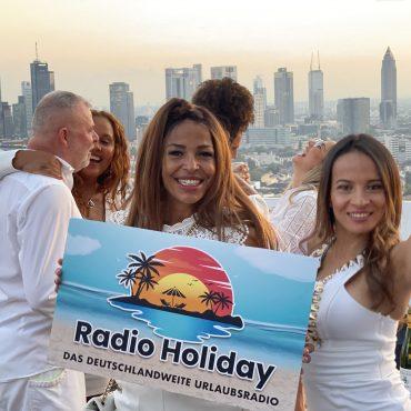 Radio Holiday White Night Party